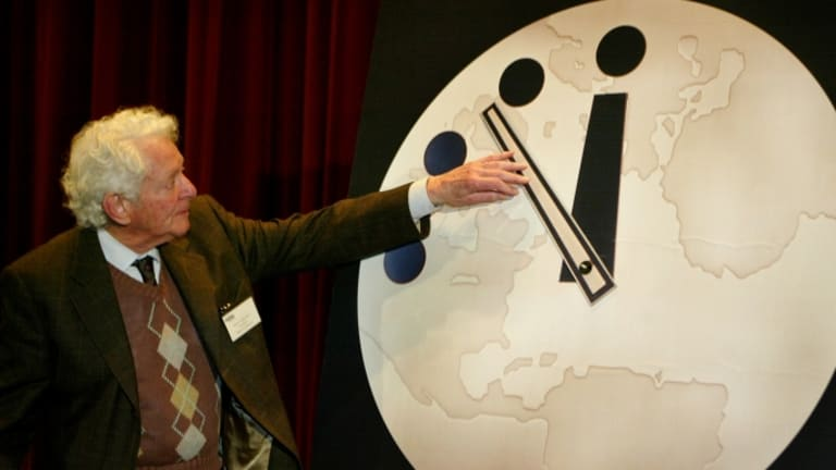 the-end-of-civilization-7-moments-in-the-history-of-the-doomsday-clocks-featured-photo
